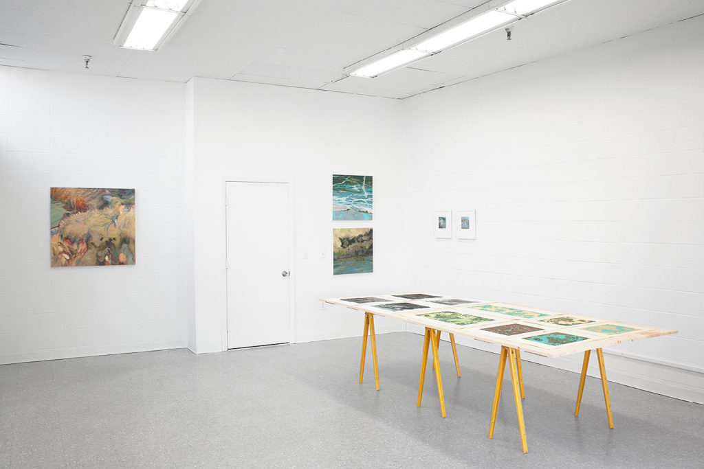 measure_exhibition01_outsidegallery